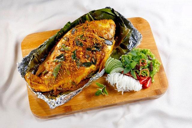 Cá xanh xương nướng bẹ chuối